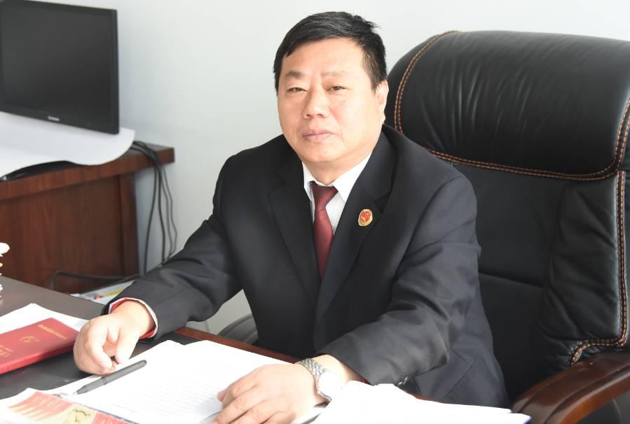 青岛超银董事长张勤